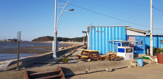 도, 바닷가 불법 사용, 쓰레기 투기 등 공유수면 불법행위 수사 나서